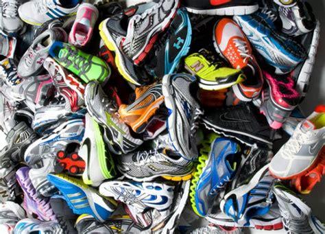 Kaos New Santa 17 shopping for new shoes s running