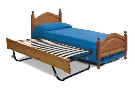 letto singolo imbottito con letto estraibile letti rustici letto singolo con letto estraibile