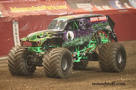 monster truck grave digger video monster trucks at monster jam stowed stuff