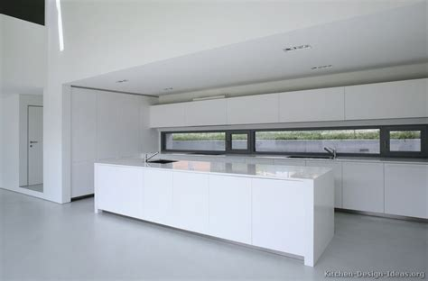 White Contemporary Kitchen Cabinets by Pictures Of Kitchens Modern White Kitchen Cabinets