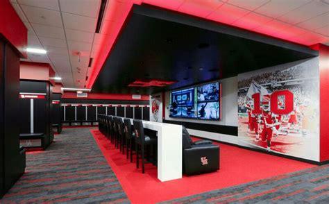 uh room pride football locker room project