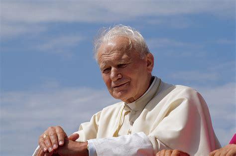 papa giovanni paolo ii wikipedia papa wojtyla le spoglie saranno esposte a roma il 1 176 maggio