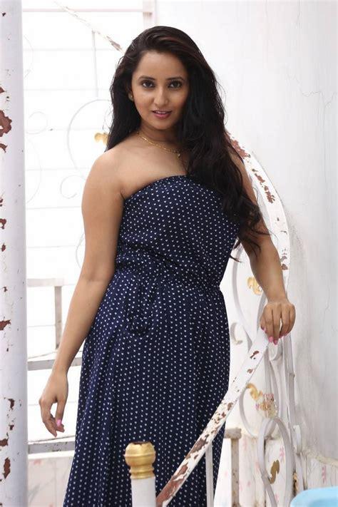 hq pics n galleries ishika singh photos in polka dress at meera press meet