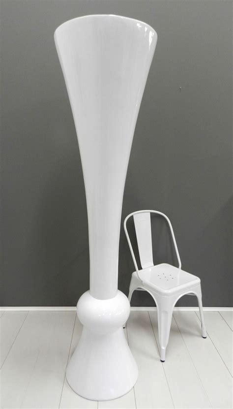vasi arredo design vaso gigante bianco di design in resina moderno arredo