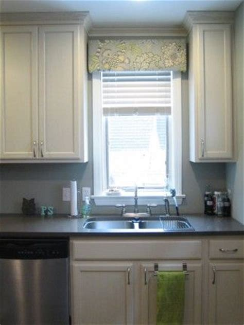 Kitchen Window Cornice 1000 Ideas About Pelmet Box On Cornices