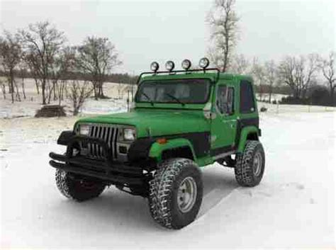 jeep wrangler bed find used 1995 jeep wrangler yj bed lined synergy green