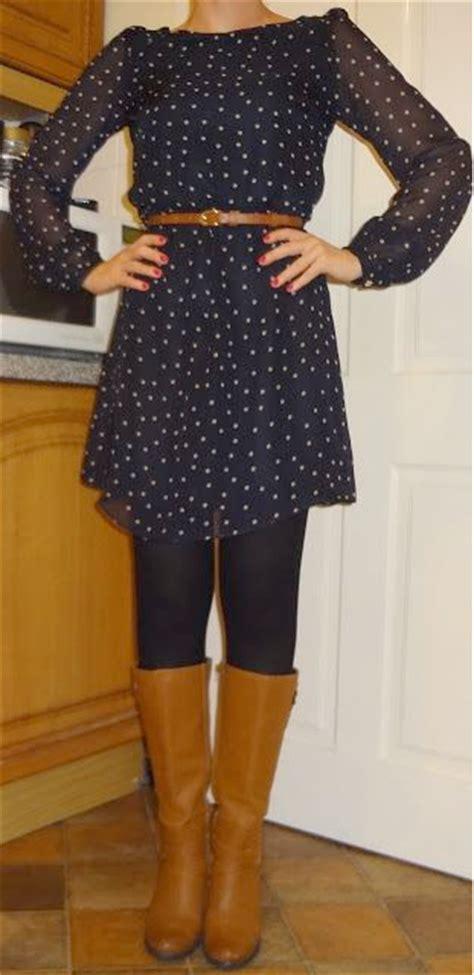 post blue polka dot dress black tights brown