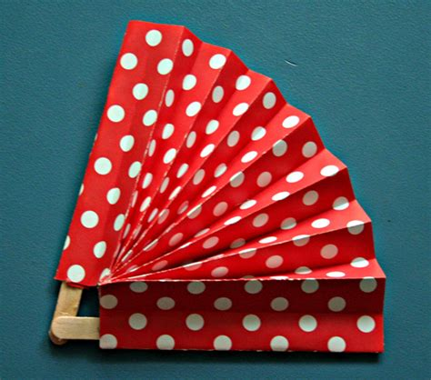 How To Make Paper Fans With Popsicle Sticks - 5 popsicle stick crafts page 2