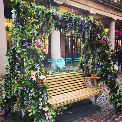 bench covent garden 102 best covent garden in bloom images on pinterest