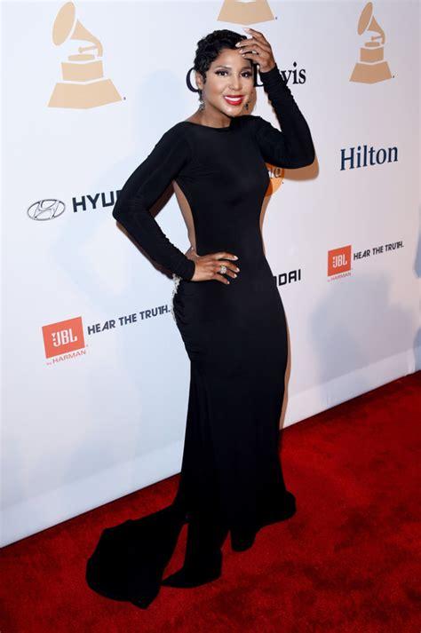 toni braxton red carpet dress 2015 clive davis 57th annual pre grammy gala fashionsizzle