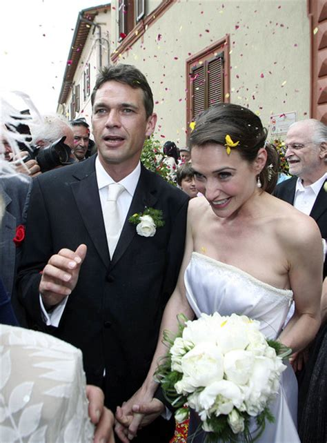 claire forlani and family claire antonia forlani and douglay scott wedding in italy