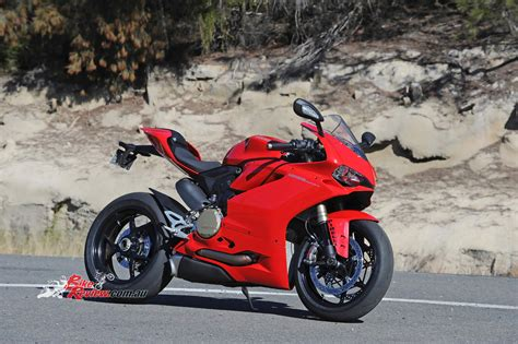 Review: 2016 Ducati Panigale 1299   Bike Review