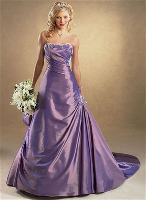 Brautkleider In Farbe by Purple Colored Wedding Dress Sang Maestro