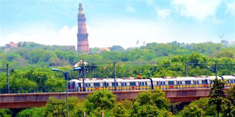 tourist places near delhi metro stations hangouts