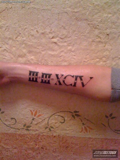 tatuaje de n 250 meros romanos