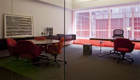 knoll nyc home design store interior design magazine tours the knoll new york showroom