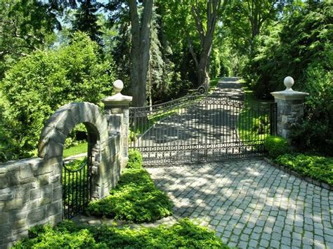 driveway curb appeal curb appeal driveways and entrances mylusciouslife
