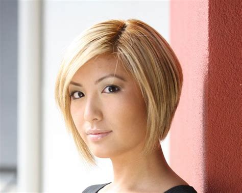 what is difference between graduated layered blut and feathered bob haircut short curly graduated bob hairstyles 2013 short