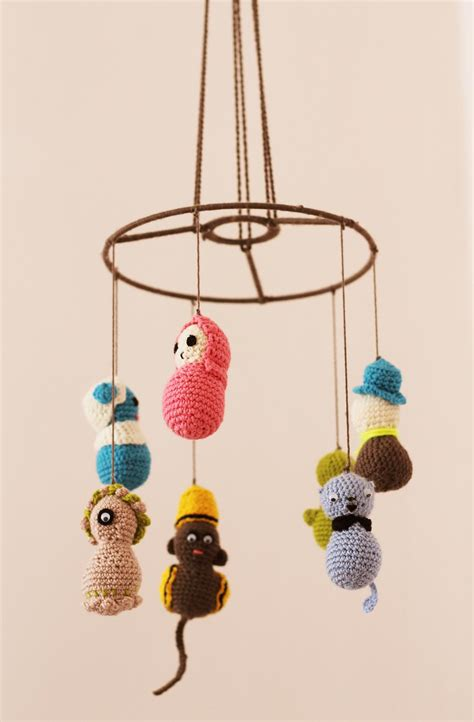 Kidroom do it yourself little monster mobile mummy mag