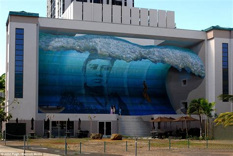 Wave Wall Murals off the wall the astonishing 3d murals painted on the