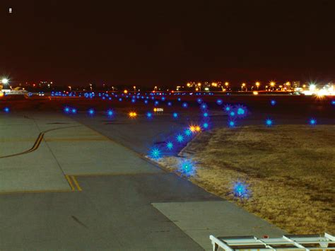 what color are taxiway lights airport taxiway lights www pixshark com images