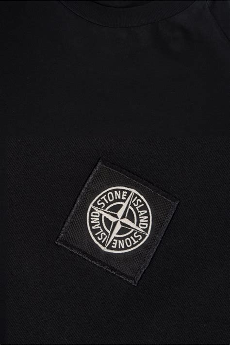 Tshirt P Path Black island patch logo t shirt black