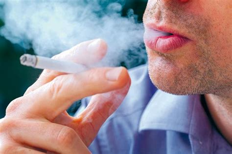imagenes de tristeza fumando porcentaje casi 38 millones de personas siguen fumando