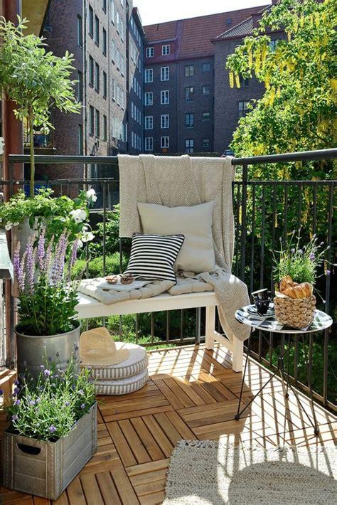kleiner balkon gestalten kleine wohnungen einrichten wie kann ein kleiner raum