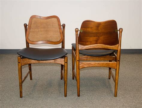 set of eight swivel back dining chairs arne vodder
