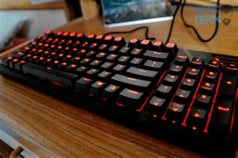 Keyboard Cooler Master Quickfire Tk Brown Switch White Led 7 keyboard mechanical gaming terbaik 2018 untuk gamer