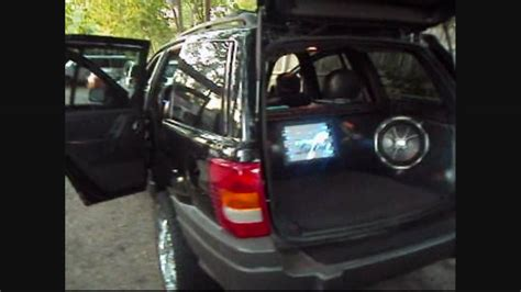 2004 jeep grand cherokee custom custom sound system with fiberglass panels on the 2002
