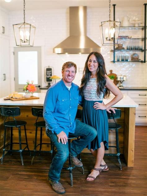 fixer upper joanna gaines shares her spring cleaning 1402 best fixer upper chip joanna gaines images on