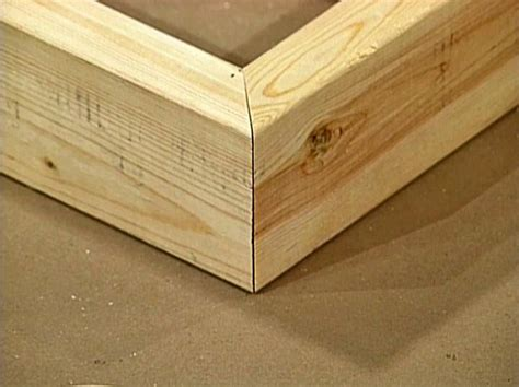 woodworking biscuit corner joint with biscuits and a biscuit joiner tutorial