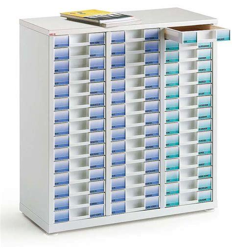 classement des dossiers dans un bureau classement tiroirs bisley clen module 3 colonnes