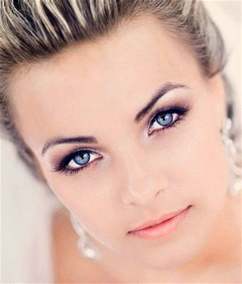 Makeup for blue eyes   yve style.com