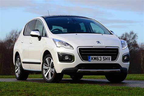 peugeot 3008 pictures peugeot 3008 mpv pictures carbuyer
