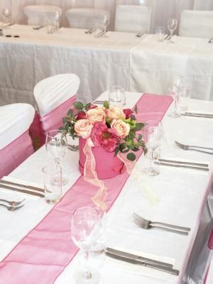 how should a table runner be how wide should a table runner be home guides sf gate