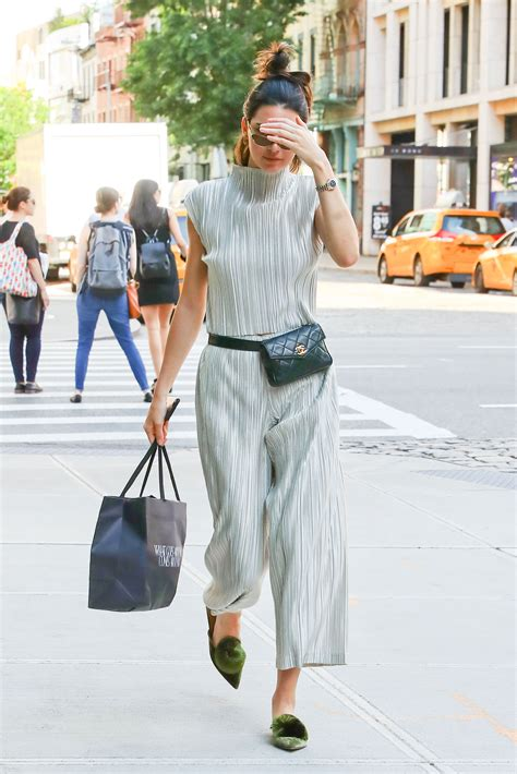 Fashion News Weekly Up Bag Bliss 16 by Kendall Jenner Brings The Pack Back 9style