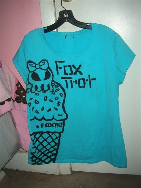 Tshirt Stay Roffico Cloth fabric painted by t shirt 183 a t shirt 183 decorating on cut out keep