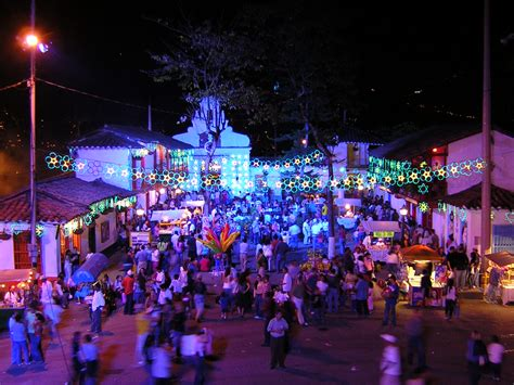 imagenes navidad bogota colombia file pueblito paisa navidad 2006 medellin jpg wikimedia