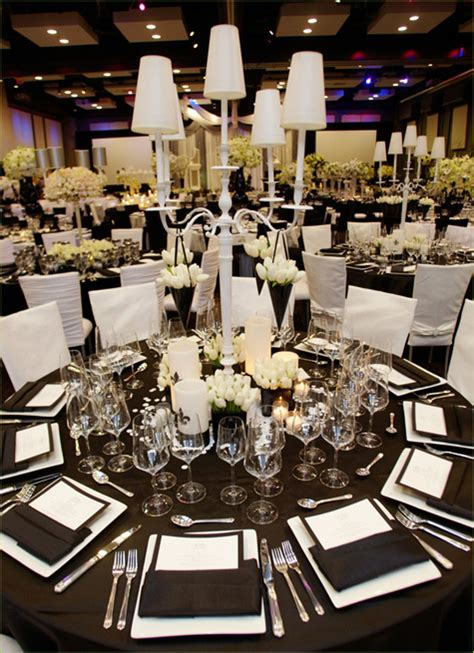 black white tablescapes and centerpieces reception