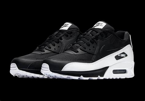 Nike Airmax90 For High nike air max 90 white black 537384 082 sneakernews