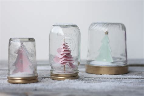 diy wedding projects for winter brides snow globe decor 5 onewed com