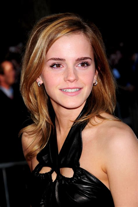 short biography emma watson emma watson biography birthday photos who2 com