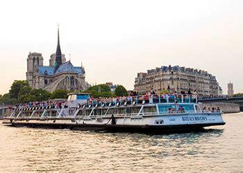 un bateau mouche sur la seine visiter paris en bateau promenade sur la seine bateaux