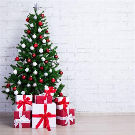 6 adornos infaltables en un 193 rbol de navidad y su