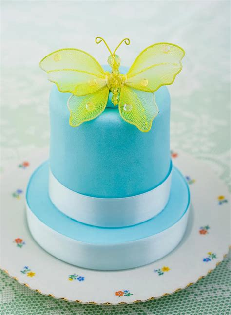Butterfly Wedding Cake by 9 Butterfly Wedding Cakes That Will Give You