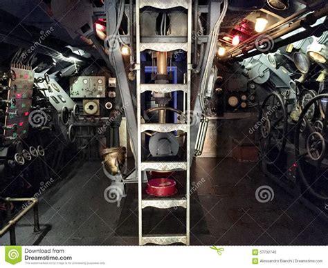 sottomarino interno sottomarino interno fotografia stock immagine 57732740