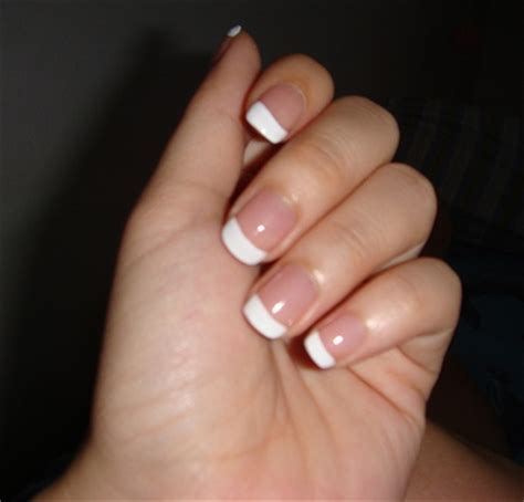 artificial nails tips to apply artificial nails