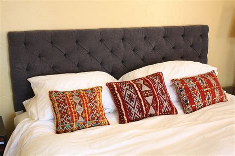Diy Upholstered Headboard With Buttons by 15 Easy And Stylish Diy Tufted Headboards For Any Bedroom